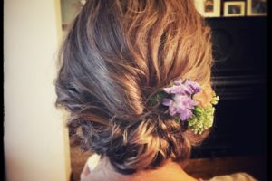 wedding messy hair up