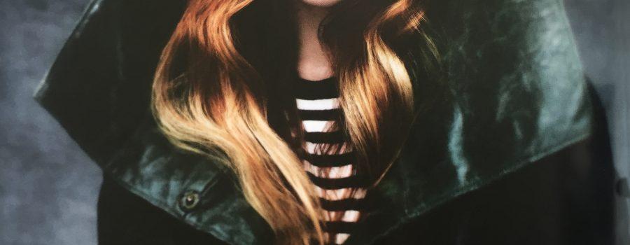 wavy hair, redhead